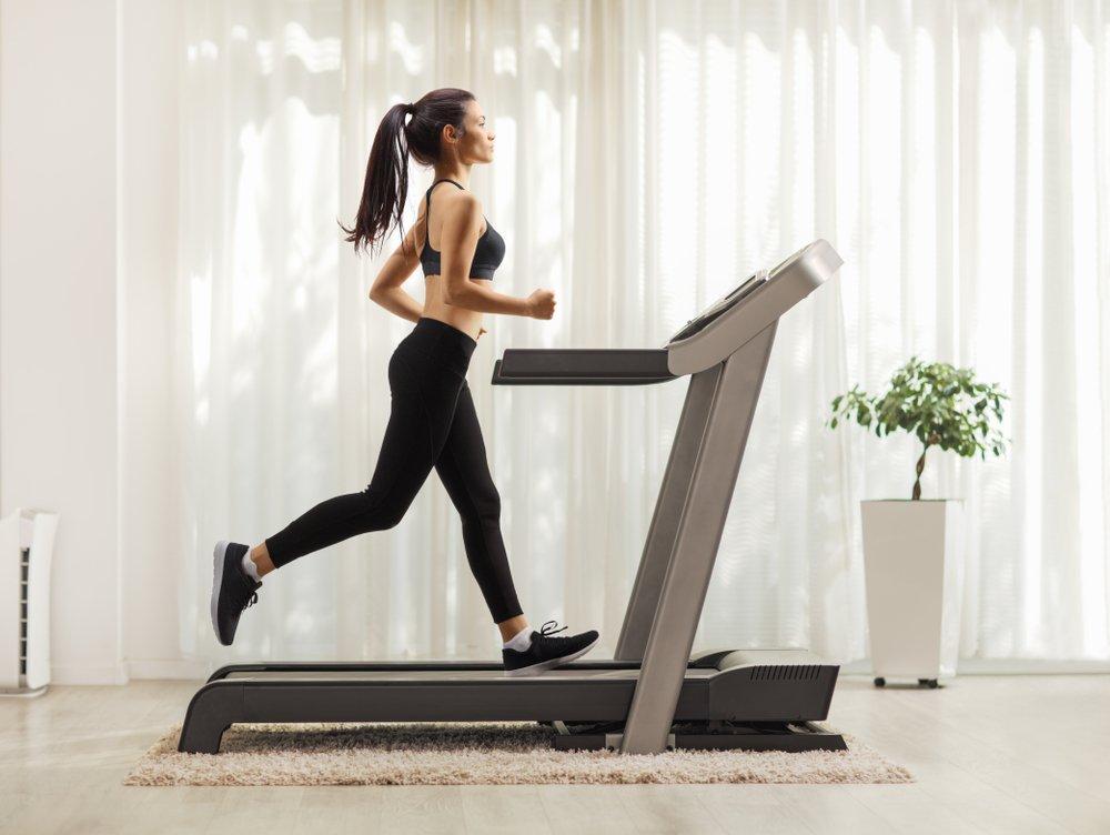 magas vérnyomás és futópadok)