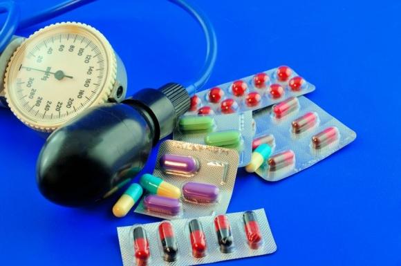 a magas vérnyomás csökkentésére szolgáló gyógyszerek)