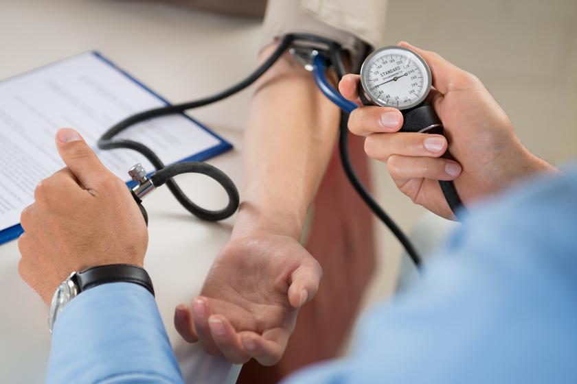 a magas vérnyomás jelei és a magas vérnyomás kezelése Batmanghelidj és magas vérnyomás