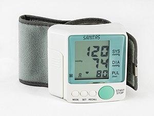 magas vérnyomás, amikor az alacsonyabb nyomás alacsony)