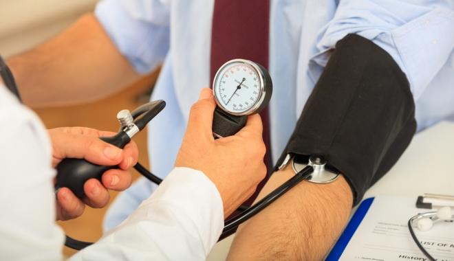 ha a magas vérnyomást nem kezelik)