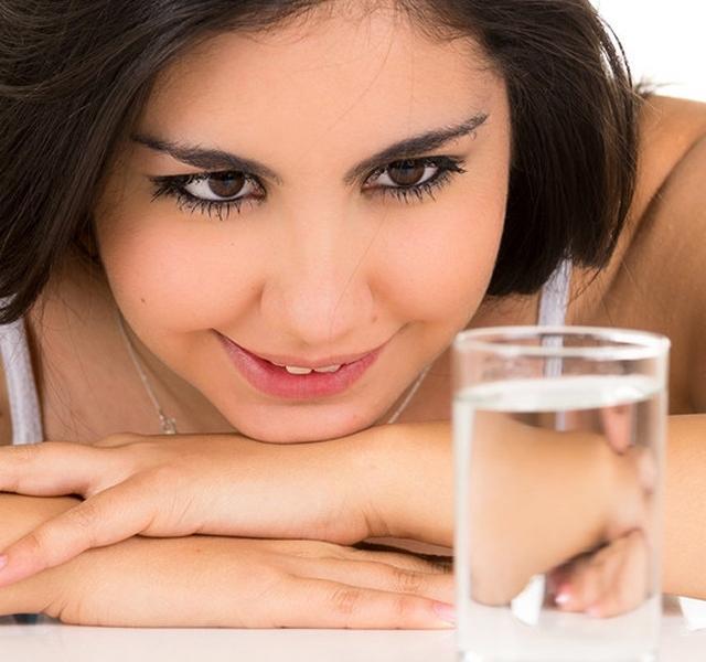 magas vérnyomás esetén sok vizet kell inni