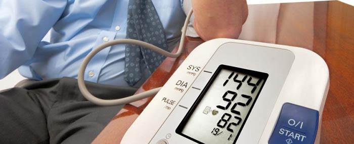 cinquefoil magas vérnyomás esetén