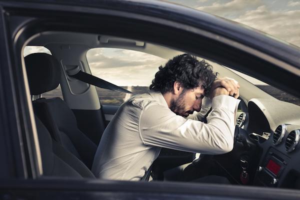 magas vérnyomás és autó)