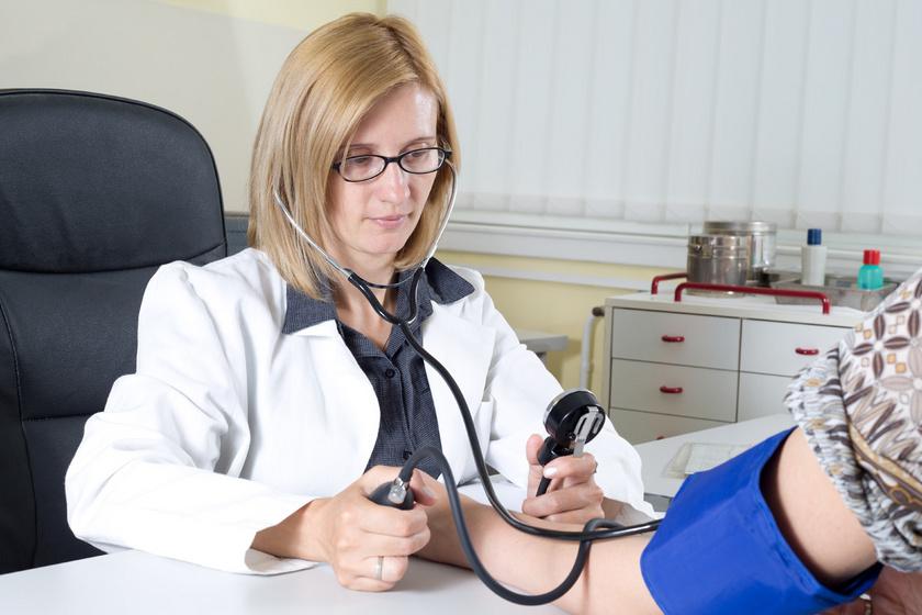 Milyen különbségek vannak a magas vérnyomás és a vds között)