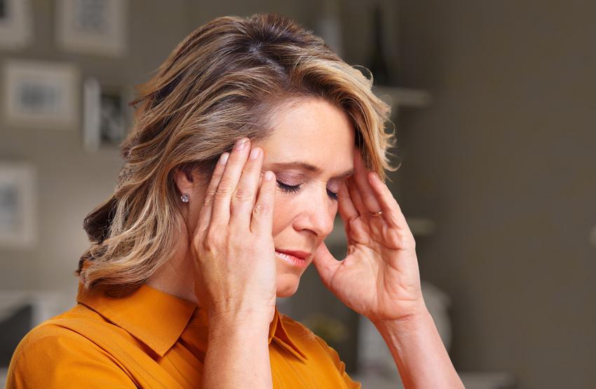 mit kell inni magas vérnyomás esetén, fejfájással)