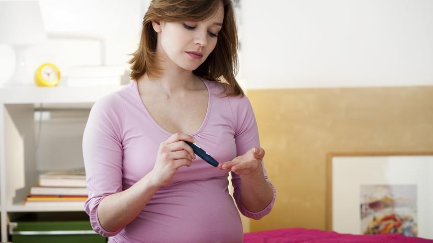 szülés terhességi cukorbetegséggel és terhességi magas vérnyomással