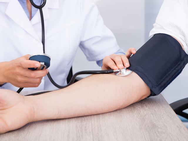 ne éljen sokáig magas vérnyomás esetén