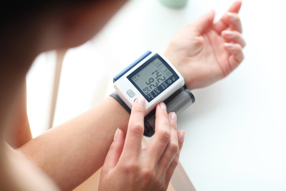 késedelem a magas vérnyomás 2 fokozatában
