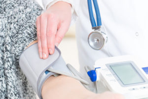 ok nélküli magas vérnyomás