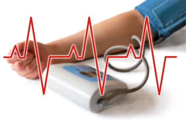 ha magas vérnyomásom és tachycardia van)