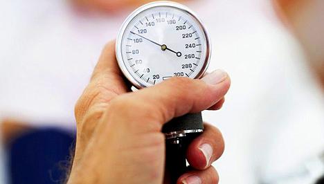 magas vérnyomás 145-90)